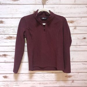 The north face maroon pull over Size xs